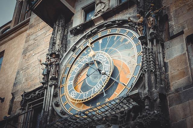 clock-547839_640